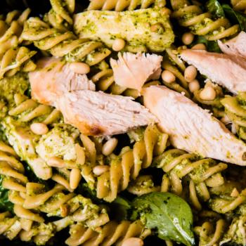 The Fitness Chef Chicken Pesto Pasta Salad With Swirrel Shape Pasta, Broccoli, Pesto
